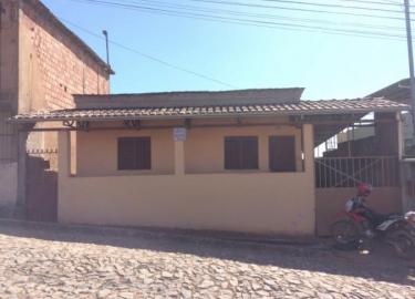 Casa - Rua José Teixeira Braga